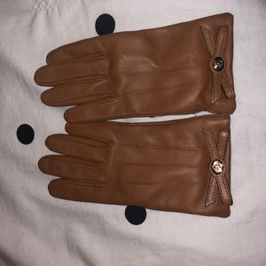 Coach tan leather gloves
